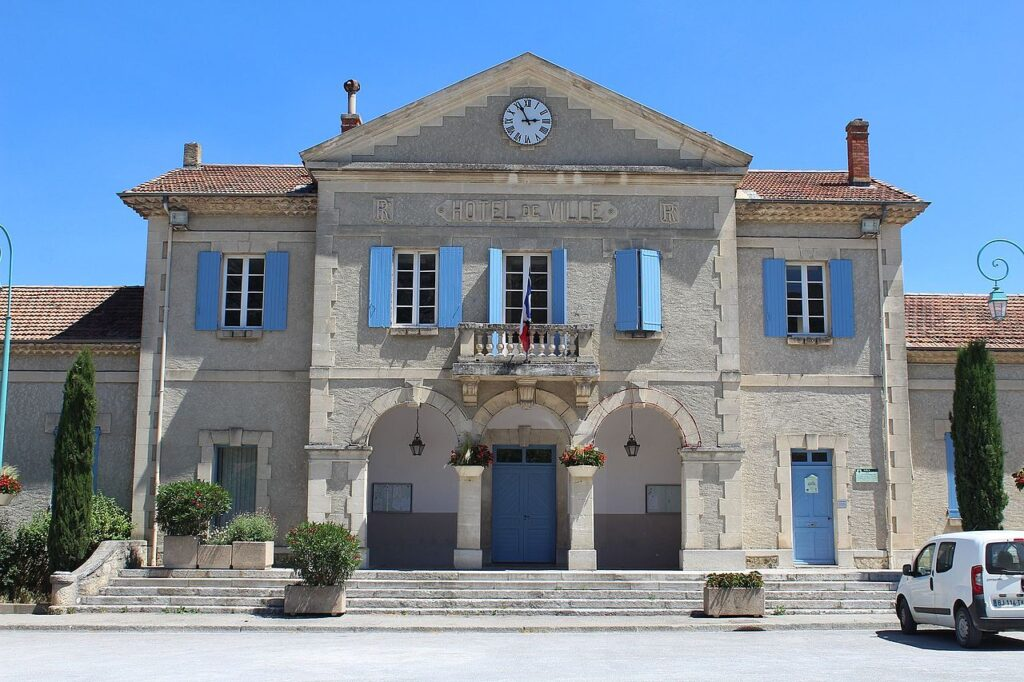Mairie_Volx_1
